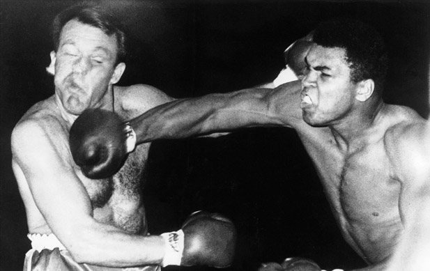 Ali throws a right hook against Brian London